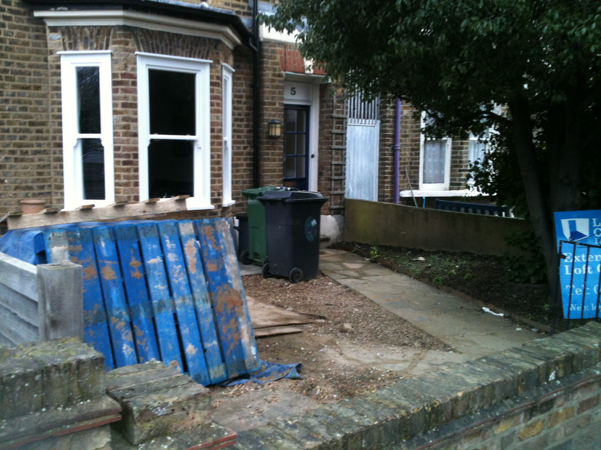 Traditional Front Garden design for East London - Earth ... on Terraced House Backyard Ideas id=72130