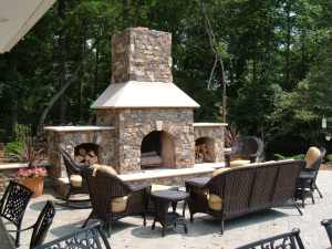 Outdoor Fireplaces and Dining