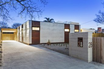 Earth House built this Bunker rammed earth home in Moorabbin. Bunker is a modern rammed earth design with open plan living and, like all our houses, sustainability at the core.