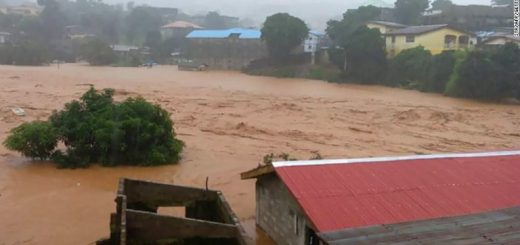 Mudslides in Sierra Leone kill hundreds