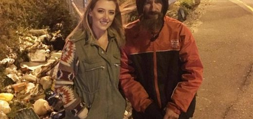 A US Woman Raised Over $100,000 for Homeless Man Who Bought her Petrol With Last $20