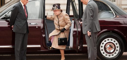 Queen Elizabeth's Vintage Rolls Royce Cars to Be Auctioned for $2.6m
