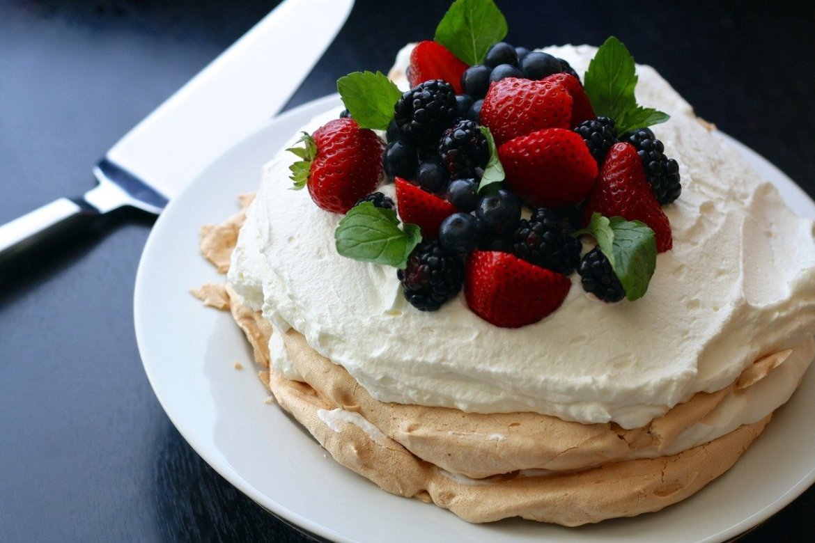 Pavlova is the most famous Australian dessert. Discover 11 more foods to try in Australia from this article