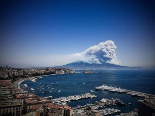 Vesuvius ash cloud