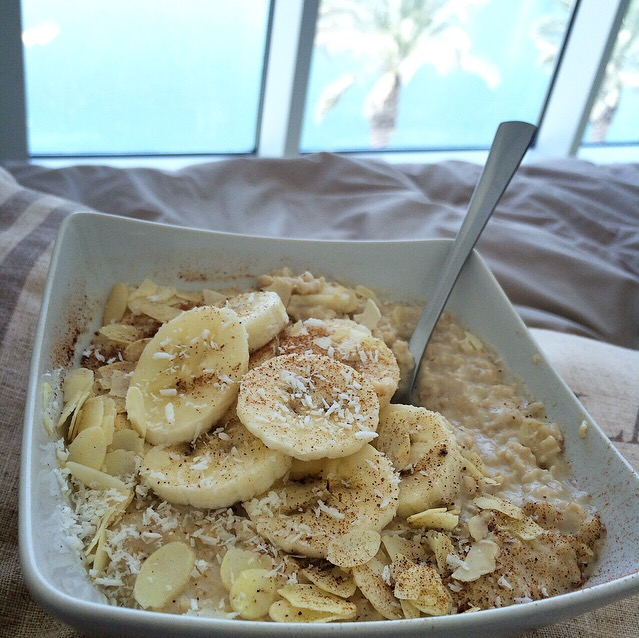 Hazelnut Milk & Banana Oatmeal
