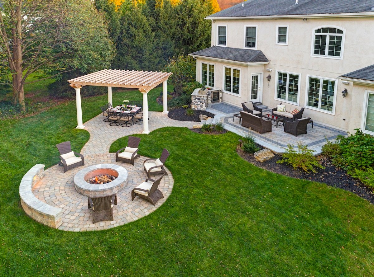 Crucial Details When Designing and Building a Fire Pit on Backyard Patio Designs With Fire Pit  id=72121