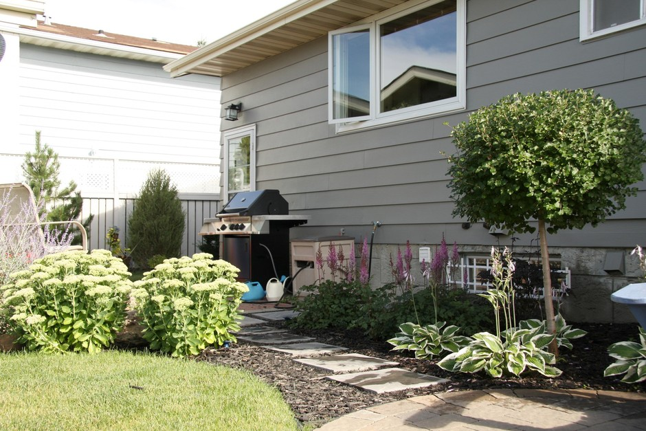 Landscape Small Yard Front Design
