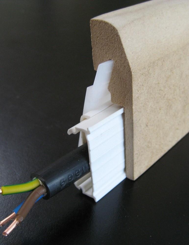 plinthe electrique passe cable