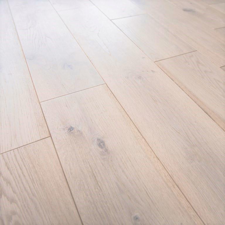 parquet chene blanchi clipsable