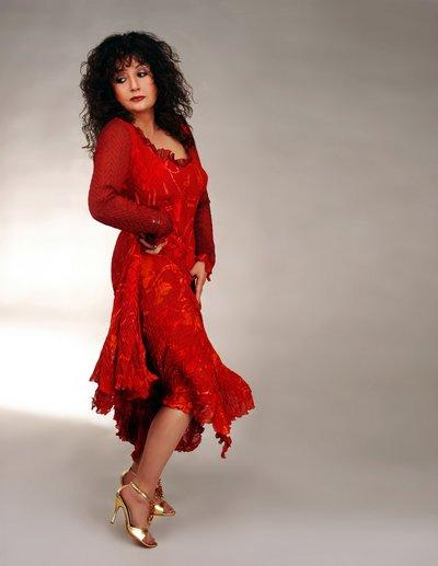 Blues performer Maria Muldaur will be at the Little Fox Theater in November 2006. Photo by Alan Mercer