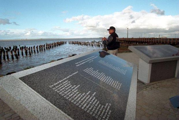 1998 FILE PHOTO--William Mundon of Ohio, a survivor of the 1944 Port Chicago Explosion takes time to reflect at the site where 320 munitions loaders and others were killed in the Concord Naval Weapons Station blast. (Contra Costa Times/Susan Pollard)