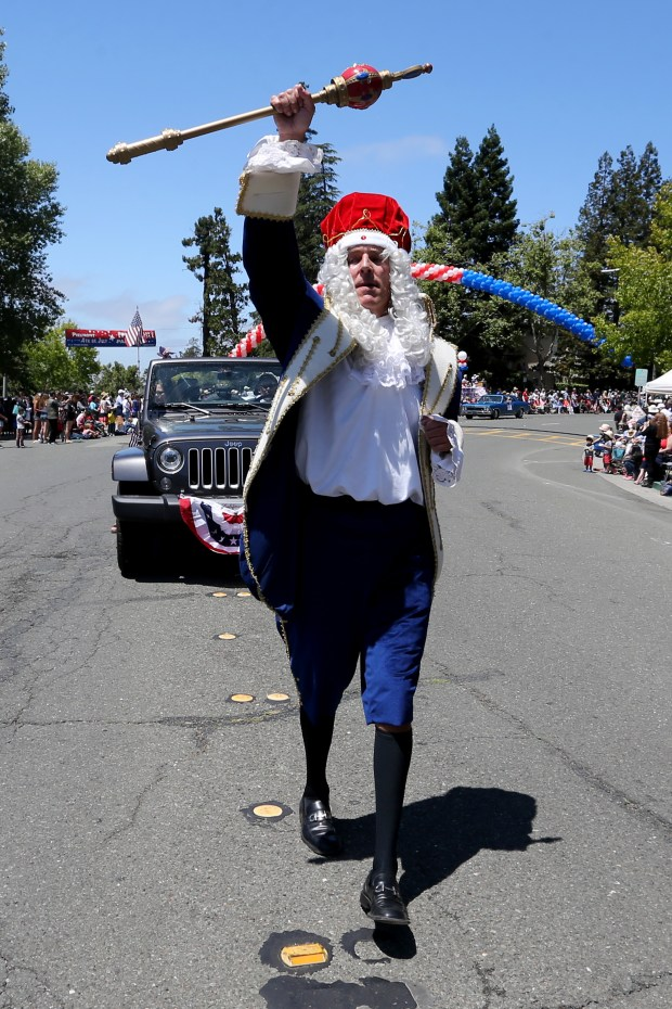 Chad Olcott takes part in the 4th of July Parade along Highland Avenue in Piedmont. (Ray Chavez/Bay Area News Group)