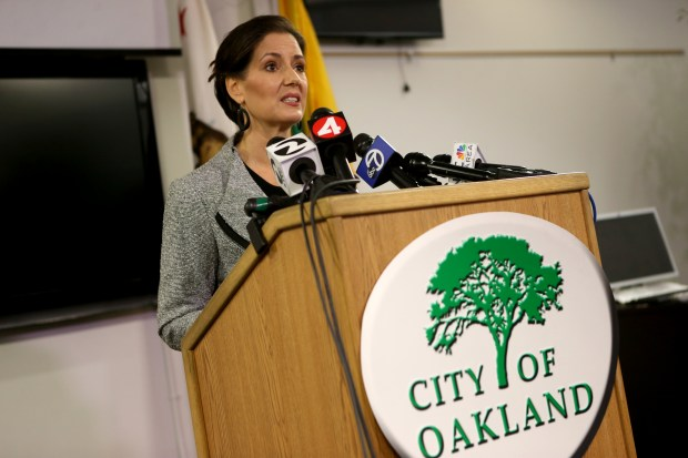 Mayor Libby Schaaf provides an update on the current strike by city workers from the city's Emergency Operations Center in Oakland, Calif., on Friday, Dec. 8, 2017. (Anda Chu/Bay Area News Group)