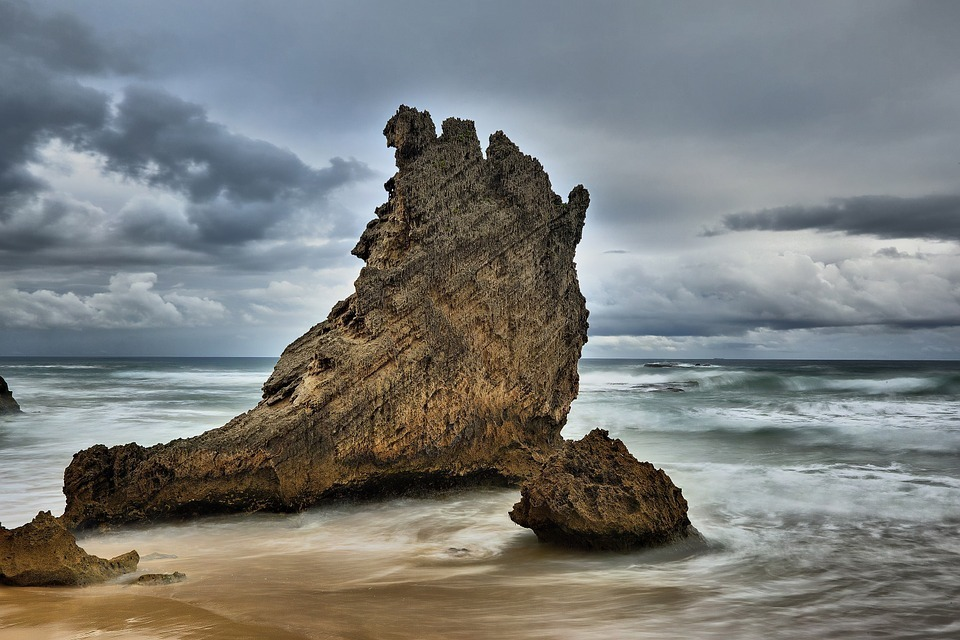 8 Day Eastern Cape Beach & Safari Package  Kenton On Sea Rock Formation