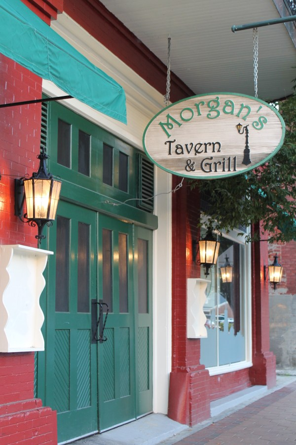 Morgans-Tavern-and-Grill-New-Bern
