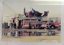 The old New Suffolk Post Office and general store during the 1993 fire.