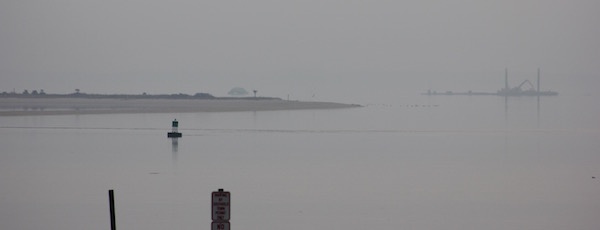 The race in the fog, Robins Island