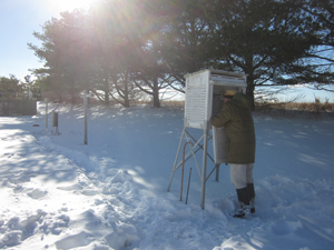 Richard G. Hendrickson, 101 years old, gathered weather data for the National Weather Service after a snowstorm in Bridgehampton in 2014 | Sara Hendrickson photo courtesy NOAA