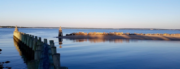Sunset at the New Suffolk boat ramp.