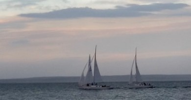 Thunder at the Races, Round Robins Island, Wednesday night.