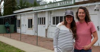 Katie Baldwin & Amanda Merrow in late April at the Amagansett Farmers Market