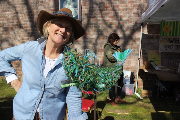"""Artist Cindy Pease Roe with an upsculpted whale at Southampton Arts Center's """"Earth Days"""""""