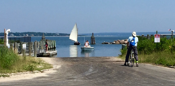 Monday at the boat ramp, New Suffolk