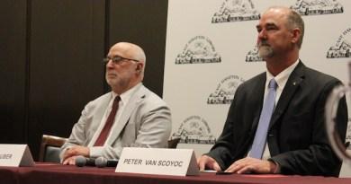 East Hampton Town Supervisor Candidate David Gruber and incumbent Town Supervisor Peter Van Scoyoc