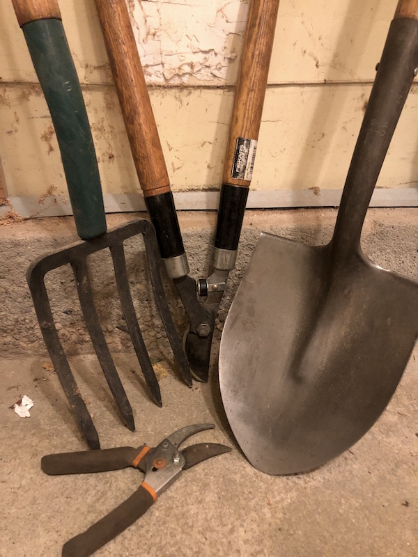 Winter is the perfect time to sharpen your gardening tools (Susan Tito photo)