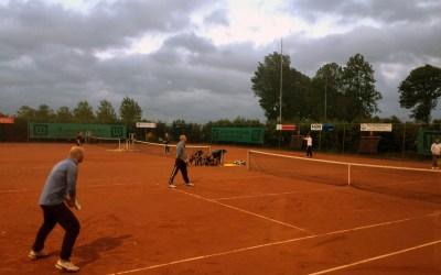Opjaan foar SMASH tennistoernooi