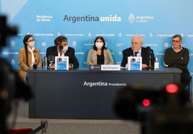 Argentinian President Gines Gonzalez Garcia in a press conference