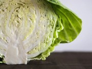 Head full of health and vitamins: Cabbage has a preventive effect against cancer