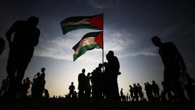 A Palestinian faction praises Iraq's position and calls for