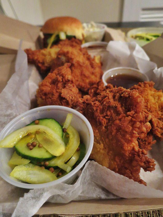 eastfallslocal-9-1-chicken-sandwich-vert-pickles