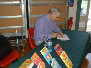 Jeremy Strong signing books