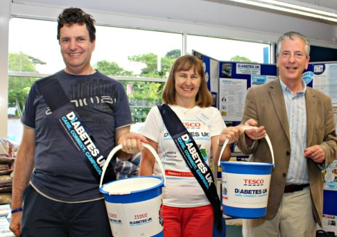 Mike Thornton (R) collecting with Jim Nicholson and Ingrid McIntyre