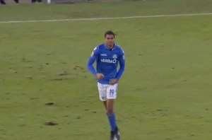 Mikael Mandron nets a late equaliser for Eastleigh (BBC Sport)