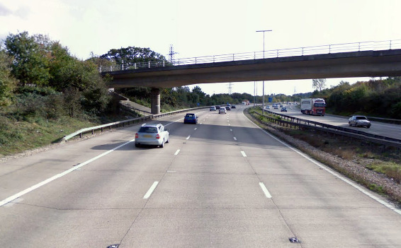 Speed limits and lane closures on M27
