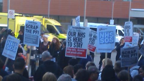 Protest at Royal London Hospital2