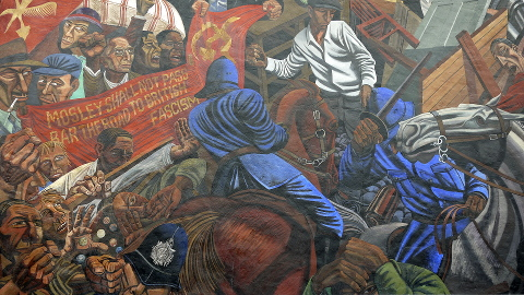 Mural of the Battle of Cable Street, Cable Street. Pic: astonishme