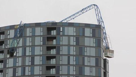 Damaged crane in Croydon. Pic: Vertikal.net