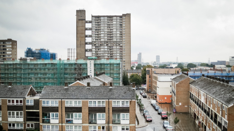 Housing in Tower Hamlets Pic: Nicobobinus