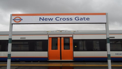 New Cross Gate Overground Station should bring in new longer trains by the end of 2014. Photo: Wikimedia Commons