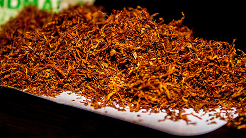 Rolling tobacco Pic: Matthew Cunnelly (Flickr)