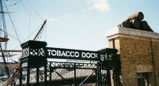 640px-Entrance_to_Tobacco_Dock