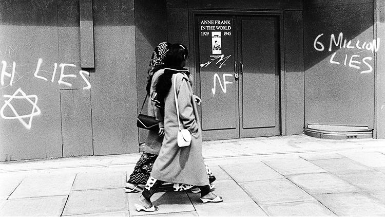 Anti-Semitic Graffiti in Whitechapel at the Anne Frank exhibition, 1986. Pic: David Hoffman.