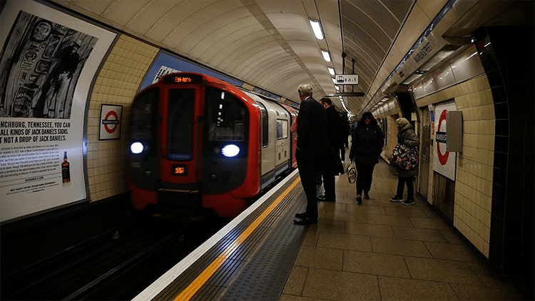 RMT suspends Tuesday tube strike but remains in dispute on some issues. Pic: Jungho Choi