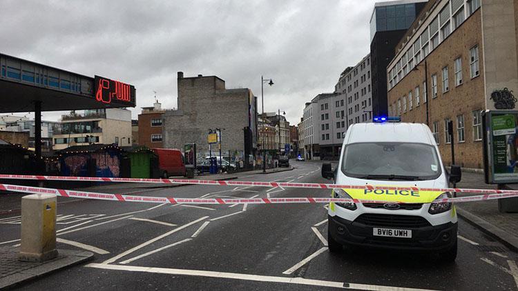 Police securing Shoreditch High Street. Pic: Alexander Savin (Twitter)