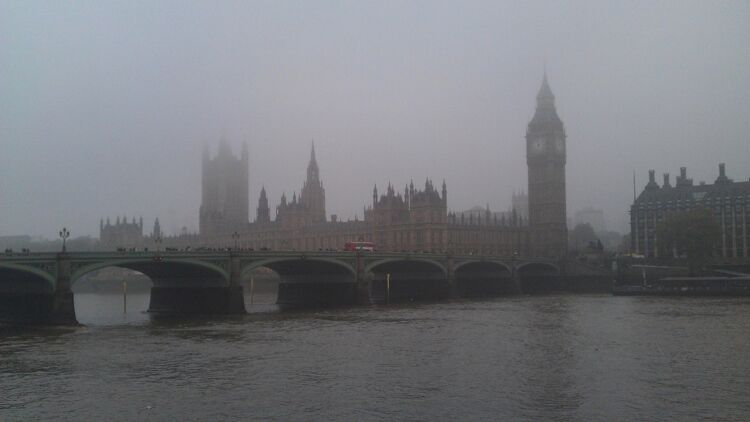 London is infamous for its air pollution problem. Pic; (Wikimedia Commons)