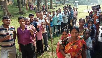 Bengal polls: Sporadic violence reported, candidates attacked